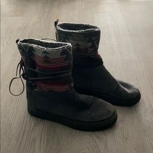 Toms warm boots!